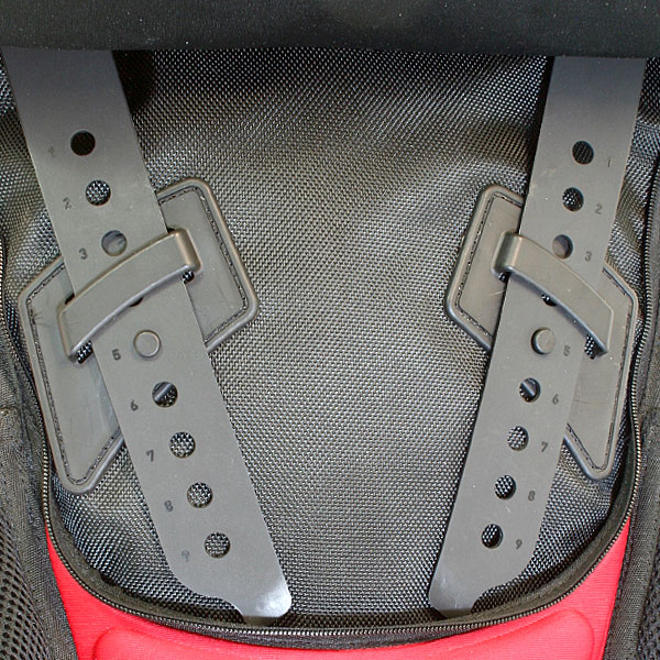 The quick, tool-free ladder lock adjustments allow optimal fitment of the pack and quick attachment and removal of CONFIGR8 accessories. Whether you're wearing a light summer jersey or heavy winter jacket, the Sprint can be fitted perfectly all year round. Click on the link below for more information on the CONFIGR8 pack system™.