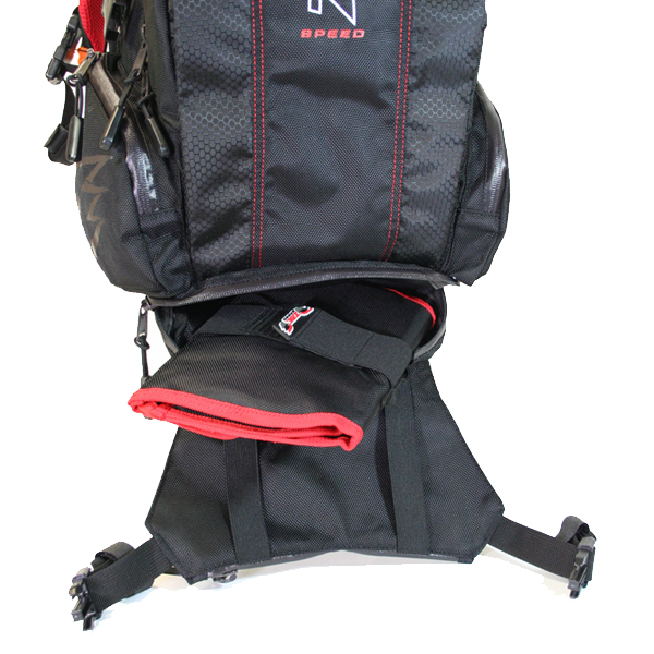 The Dakar pack has been designed to allow easy access to as many pockets as possible without the need to dig through the entire pack to find what you want. The multi-tier external access allows quick-release access to a lower universal pocket, large enough to take the optional Zac Speed tool roll or other items. (Tool Roll not included).